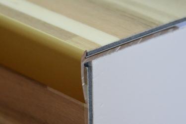 Cena za kus: Schodový profil pro kytiny do 3mm dekor kov 250cm, Dekor Zlatá 00