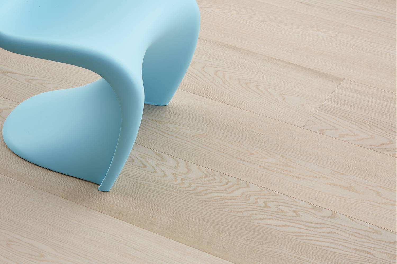 DOPRAVA ZDARMA! Dřevěná podlaha MOLAND Molaloc Windsor Wideplank 13154863 Dub Classic bílý oxidativní olej