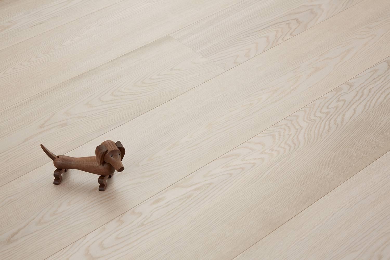 DOPRAVA ZDARMA! Dřevěná podlaha MOLAND Molaloc Windsor Wideplank 13154864 Dub Classic bílý matný lak