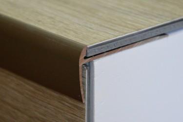 Cena za kus: Schodový profil pro krytiny do 5mm 270cm, Dekor Zlatá E00